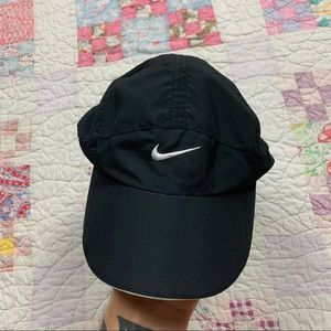 NIKE AIR FEATHERLIGHT FITNESS HAT